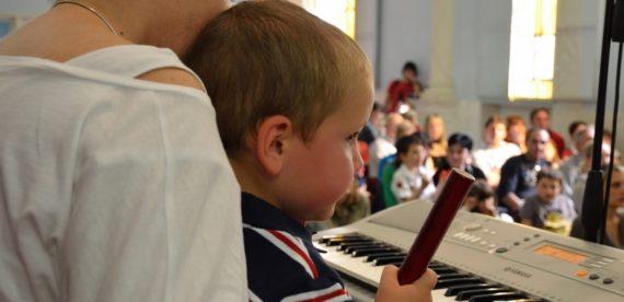 MUSICA NELL'INFANZIA : LA STRATEGIA DI EDUCARE BENE FIN DA PICCOLI